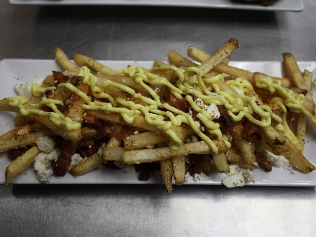 IL1307ZH_Curry-Fries-with-Bacon-and-Feta_s4x3.jpg.rend.sni18col