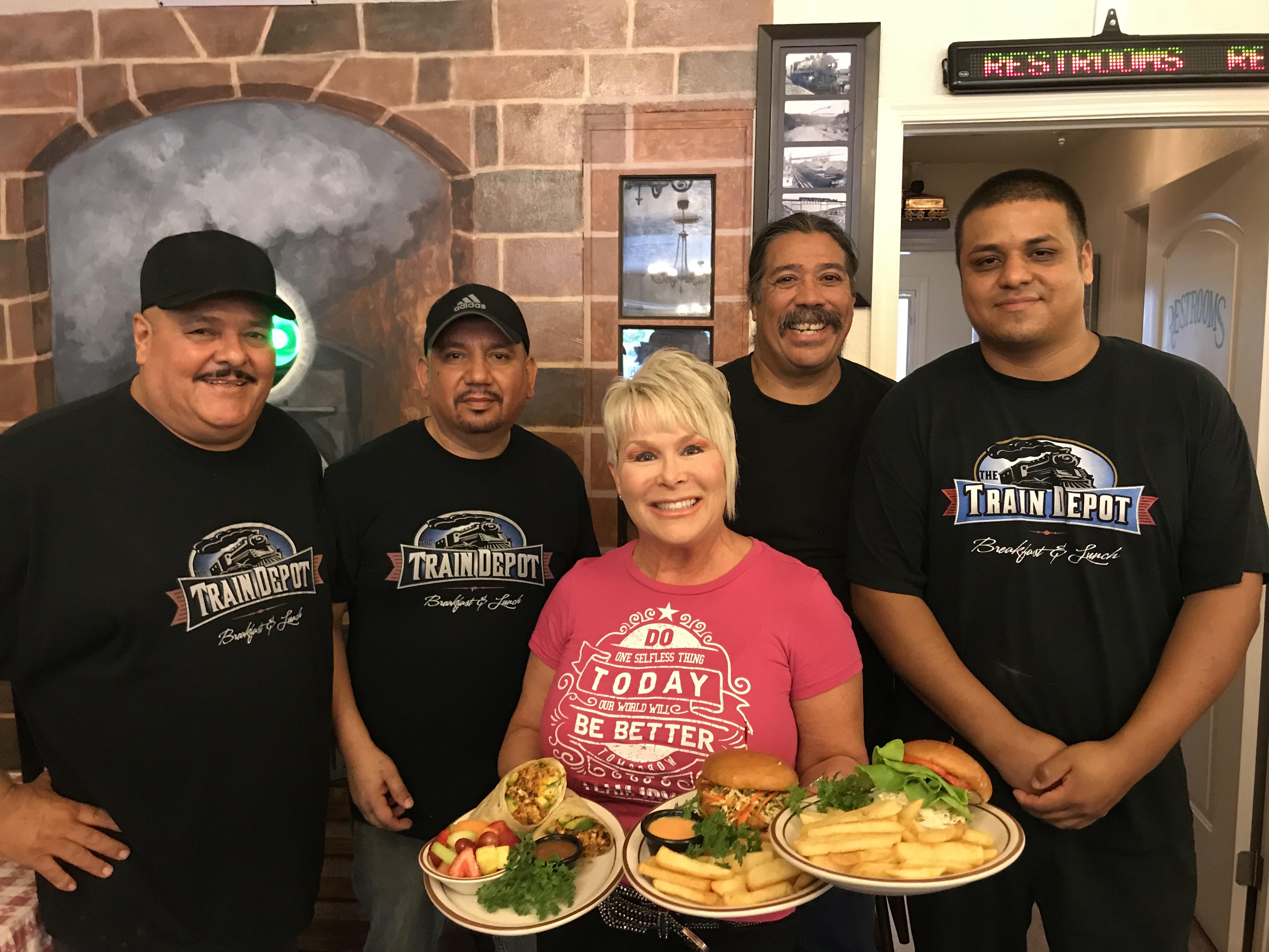 Fresno Eatery Steps Up For Vets In Need - Robert Irvine