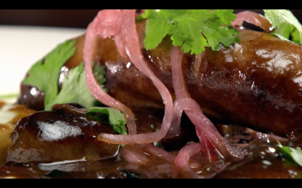 Bangers and Mash with Pea Puree – As Seen on Restaurant: Impossible
